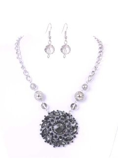 10665A LARGE DISC NECKLACE AND EARRING SET AVAILABLE IN GUNMETAL RED OR GOLD Please Click the image for more information.